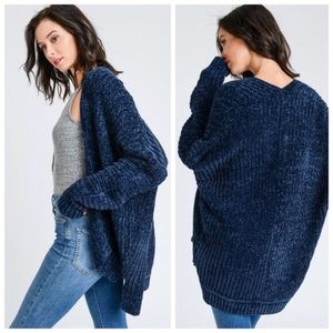 Sweaters - Soft Chenille Cardigan in Navy